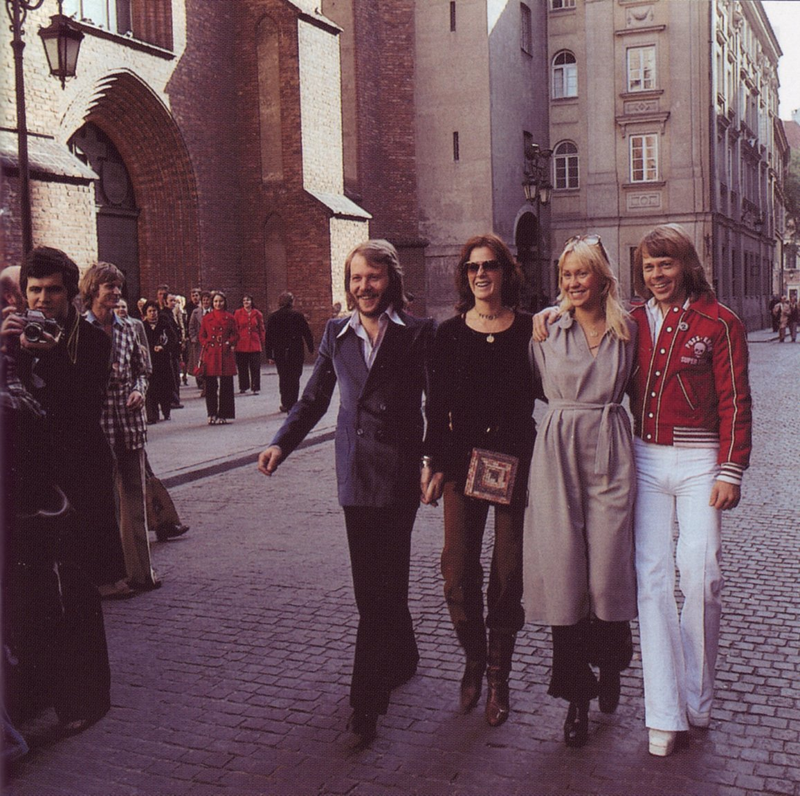abba_in_poland_on_streets